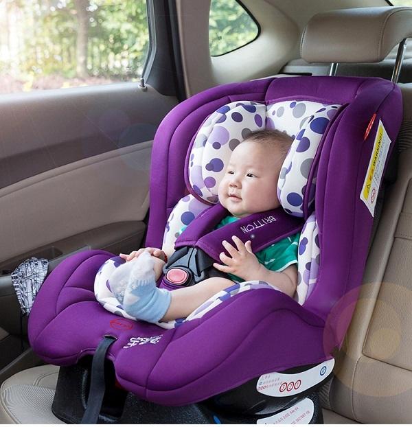chọn ghế ngồi ô tô cho trẻ sơ sinh
