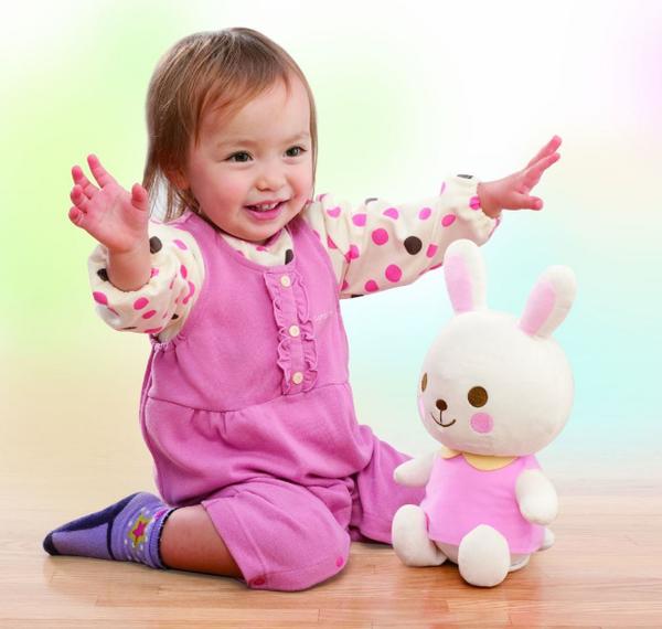 đồ chơi cho bé 1 tuổi thông minh