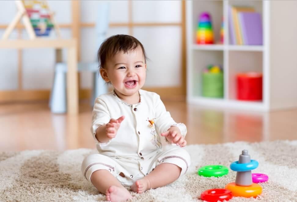 đồ chơi dành cho bé dưới 1 tuổi